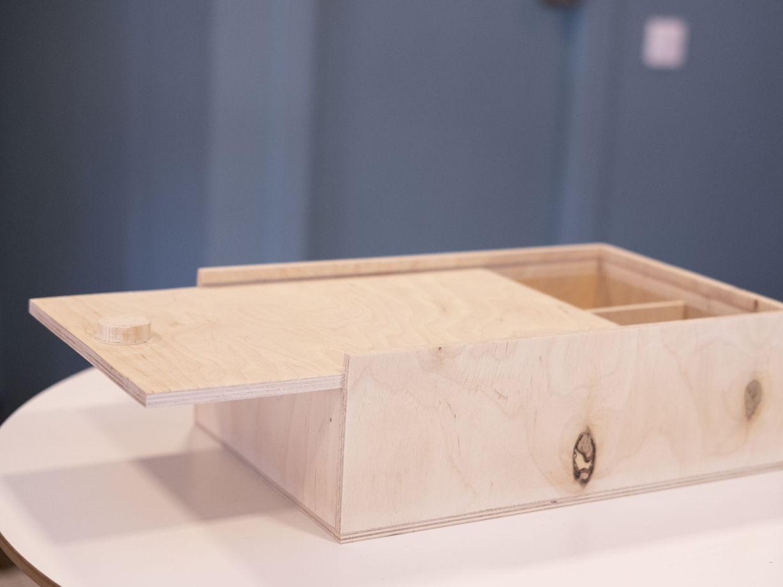 ящик с выдвижной крышкой